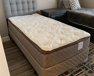 #1 Tufted Headboard Twin Bed w/ Mattress & Box Spring49 x 39 x 83HxWxD