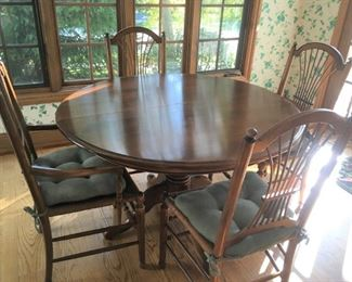 Sweet kitchen dining set (2 leaves,  6 chairs)