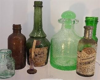 Mixed lot of antique bottles