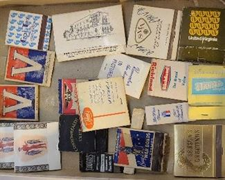 Mixed lot of vintage match books