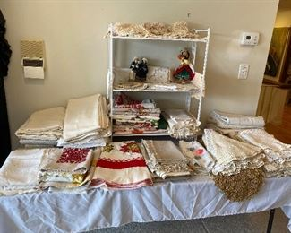 Another table of beautiful linens.
