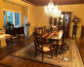 Thomasville dining room set with 2 extension and 10 chairs