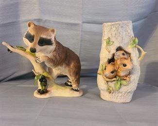"Vintage Cybis ~ ""Raffles"" The Raccoon - 1965 Vintage & Rare ~ Cybis 3 squirrels in a tree trunk #152"
