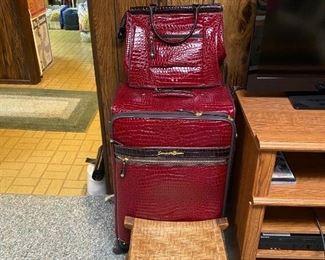 Samantha Brown Luggage/Wooden Stool