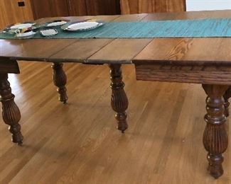 """BUY IT NOW! $185 Antique oak extending table - measures 40"""" x 42"""" closed and 69""""L when extended. bottom of apron is 25"""" from floor"""