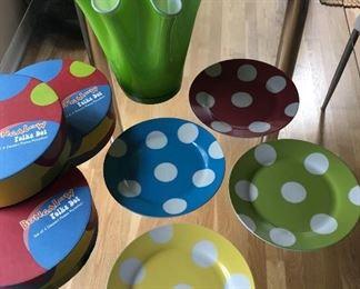 BUY IT NOW! $18 set of 12 polka dot porcelain plates (vase sold separately)