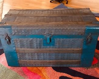 """BUY IT NOW! $165 Vintage wood and metal trunk with fabulous plaid lining 30""""L x 16""""W x 16.5""""H"""