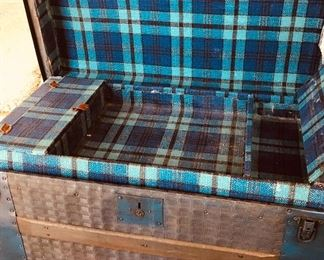BUY IT NOW! $165 vintage Plaid lined trunk