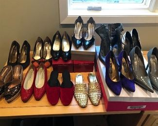 women's size 7.5 shoes, no presales - shop in person on sale days