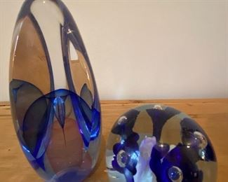 BUY IT NOW! $55 pair cobalt art glass pieces including St. Clair round paperweight and 2001 Youghiogheny oval art glass