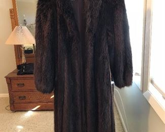 BUY IT NOW! $350 full length Beaver Coat sz M
