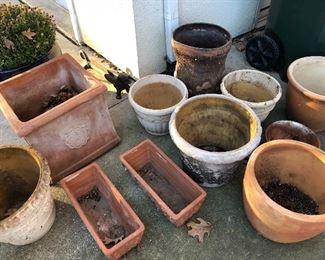 Assorted planters & pots
