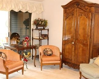 Step into this beautiful condo to see our lovely furniture.   The pair of chairs and McKenzie Child items in this picture have sold.