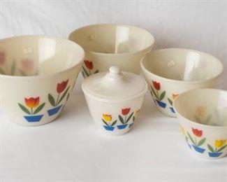 Vintage Pyrex Bowl Set 3 tulip design Fire King
