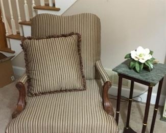 Accent Chair with Table