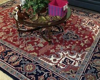 Beautiful rug, vintage coffee table