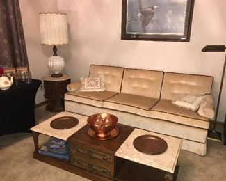 Gorgeous vintage Ethan Allen Sofa in excellent condition, coffee table with storage