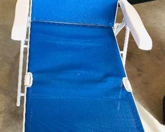Blue lounge chair $20