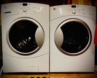 STILL AVAILABLE!!! 50-75% OFF SUNDAY 11-22 THIS LG FRONT LOAD WASHER AND DRYER IS A JAW DROPPING $300