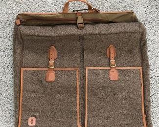 Hartman Suit bag
