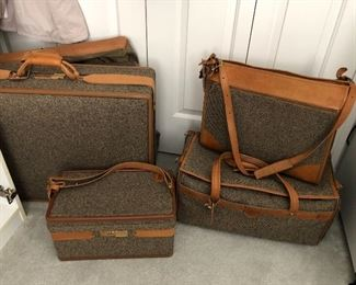 Hartman Luggage.  5 pieces - extra clean inside.  Pieces may be purchase separately