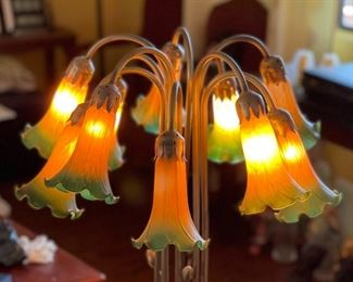 10 Head Pond Lily  Table Lamp (Meyda Tiffany Copy)24in H x 22in Diameter