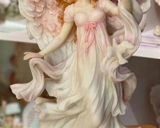 Seraphim Classics Vanessa Heavenly Maiden Angel Sculpture12x6x5inHxWxD