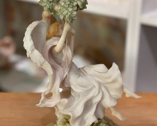 Seraphim Classics Rebecca Beautiful Dreamer Angel Sculpture9.5x6x6inHxWxD