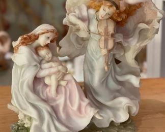 Seraphim Song of Praise Angel Sculpture8x6.5x4.5HxWxD