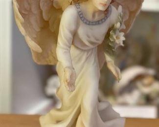 Seraphim Glad Tidings Annunciation Angel Sculpture8x5x5HxWxD