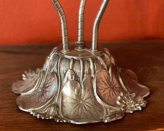 3 Head Pond Lily lamp Modern Production22x24x20inHxWxD