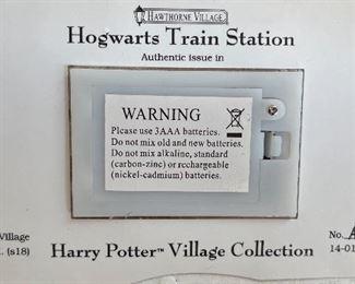 Bradford Exchange Harry Potter Hogwarts Train Station Hawthorne Village5x7.5x3.5inHxWxD