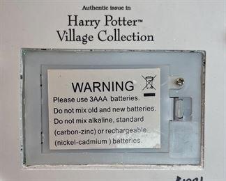 Bradford Exchange Harry Potter Broomsticks Pub Hawthorn Village4.5X5X5inHxWxD