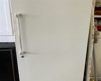 Whirlpool EV150N Freezer