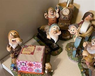 Disney 7 Piece Dwarfs Desk Set