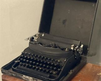 Remington Rand Vintage Typewriter