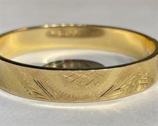 14k Gold Hinged Bangle Bracelet  SZ 714K