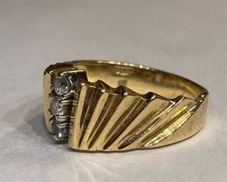 14k Gold & Diamond Ring SZ 6.7514k