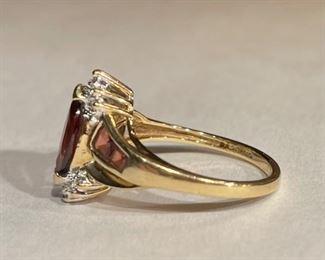 10k Gold, Garnet & Diamond Ring SZ 7.2510k