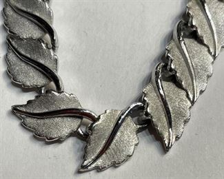 Trifari Silver Tone Vintage Leaf Necklace Choker