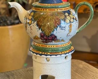 Leona Italia Teapot on Stand12x10x6inHxWxD