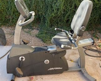 AS-IS Life Fitness R3-5 Recumbent Cycle Bike50 x 29 x 59HxWxD