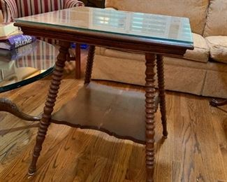 #19Radio Table w/barley Twist legs w/glass protect top   24x29 (as is finish) $75.00