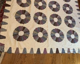 #28Hand-quilted Fan Quilt Twin Size Fan Quilt - Scalloped Edge $65.00