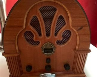 #99Thomas Collecible Edition Radio  No. 0146 Electric $30.00