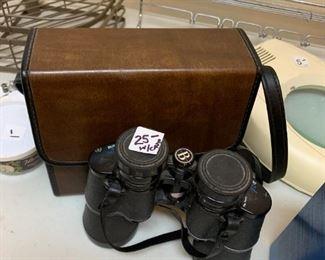 #125Bushneli Binoculars $25.00