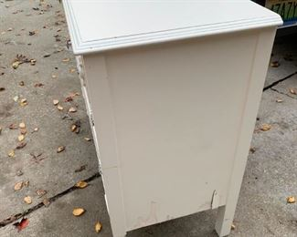 #204swfabulous finds 4 drawer chest white painted 40x18x32 $150.00
