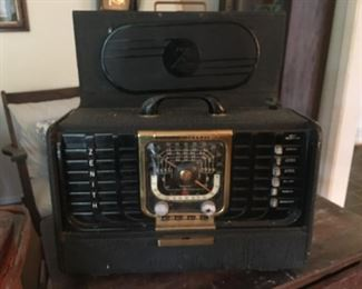Zenith Shortwave Radio - impeccable vintage condition
