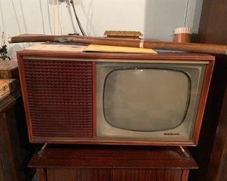 RCA Victor TV - Like a mini TV