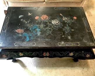 Black inay Asian table